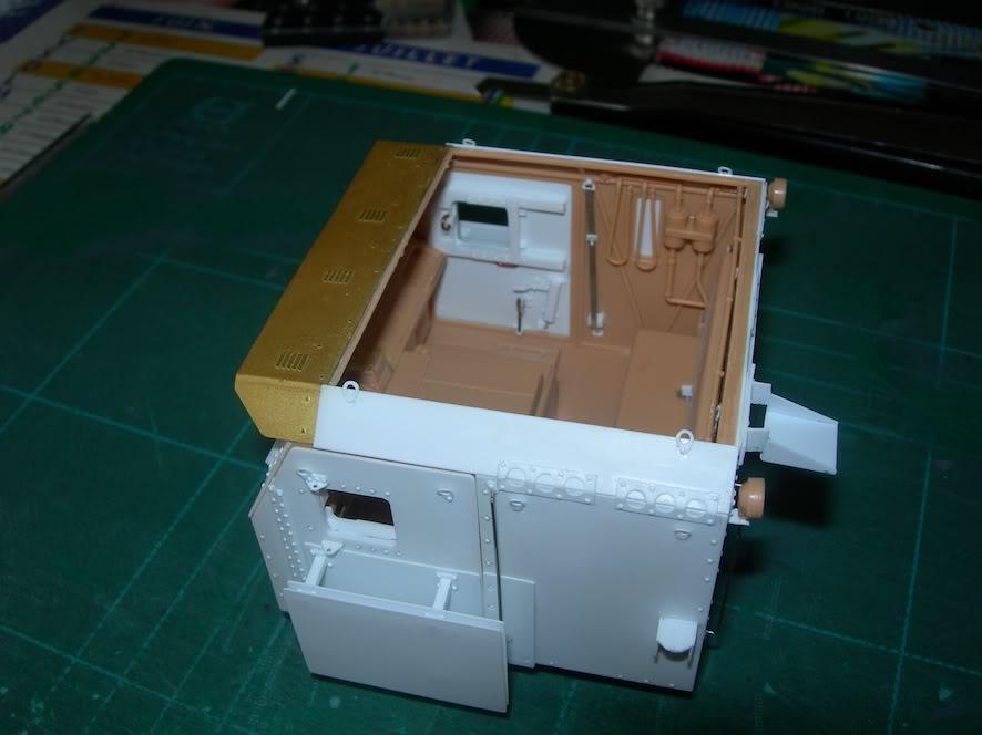 M1070 cabine blindée DSCN5032