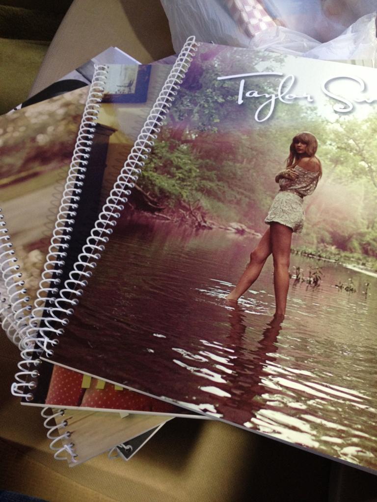 "Taylor Swift >> álbum ""Red"" [II] - Página 2 CAAD6AB2-B857-486C-ADA8-F3BFB99FD35C-5818-000011F4DA137A45"