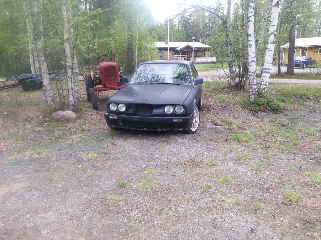 petezki: BMW E30 Brillantrot 20150601_163818_zpsksknl0pb