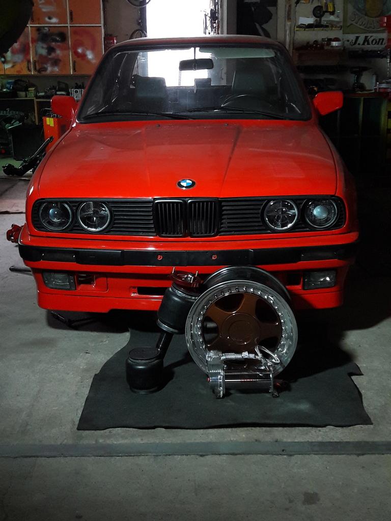 petezki: BMW E30 Brillantrot 20160924_163057_zpscuqtmfsz