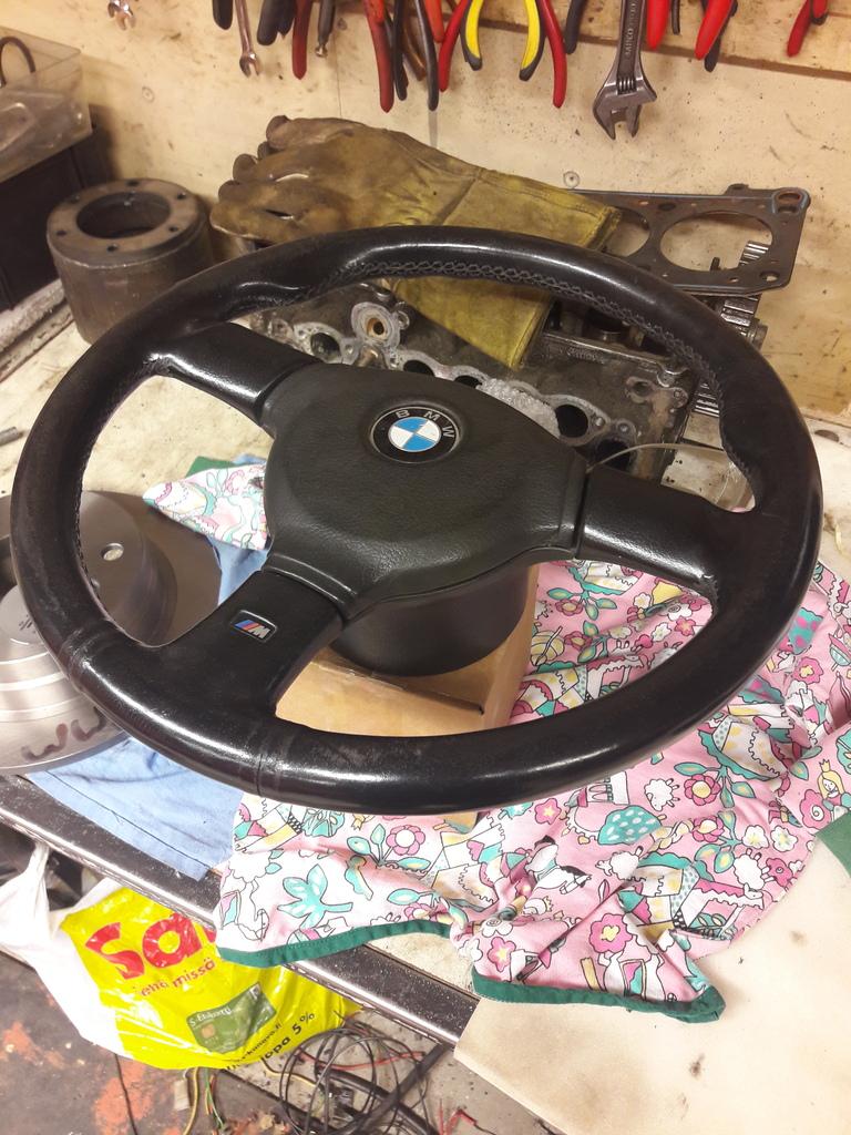 petezki: BMW E30 Brillantrot 20161203_163814_zpsf9hn9zsa