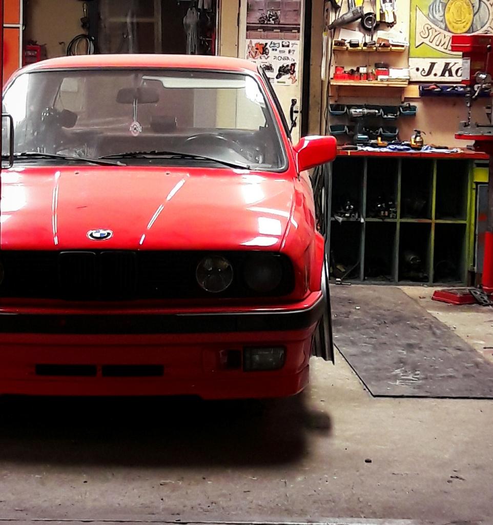 petezki: BMW E30 Brillantrot IMG_20161206_210311_zpswrlwju7m