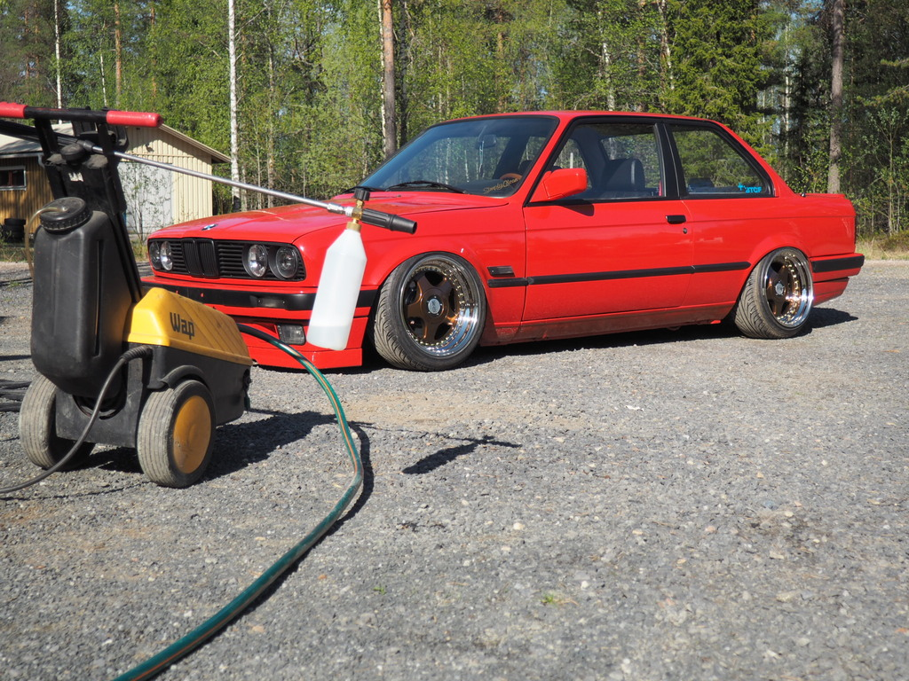 petezki: BMW E30 Brillantrot - Sivu 2 OI000019_zpspnsjecar
