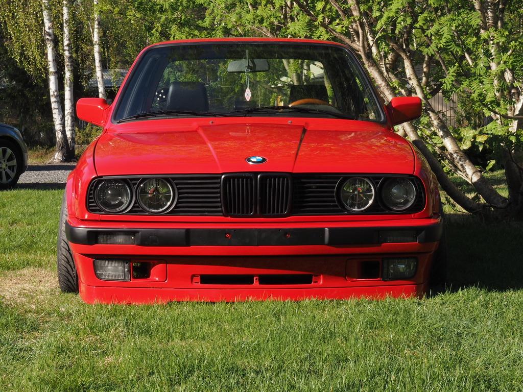 petezki: BMW E30 Brillantrot - Sivu 2 OI000106_zpspskeusl3