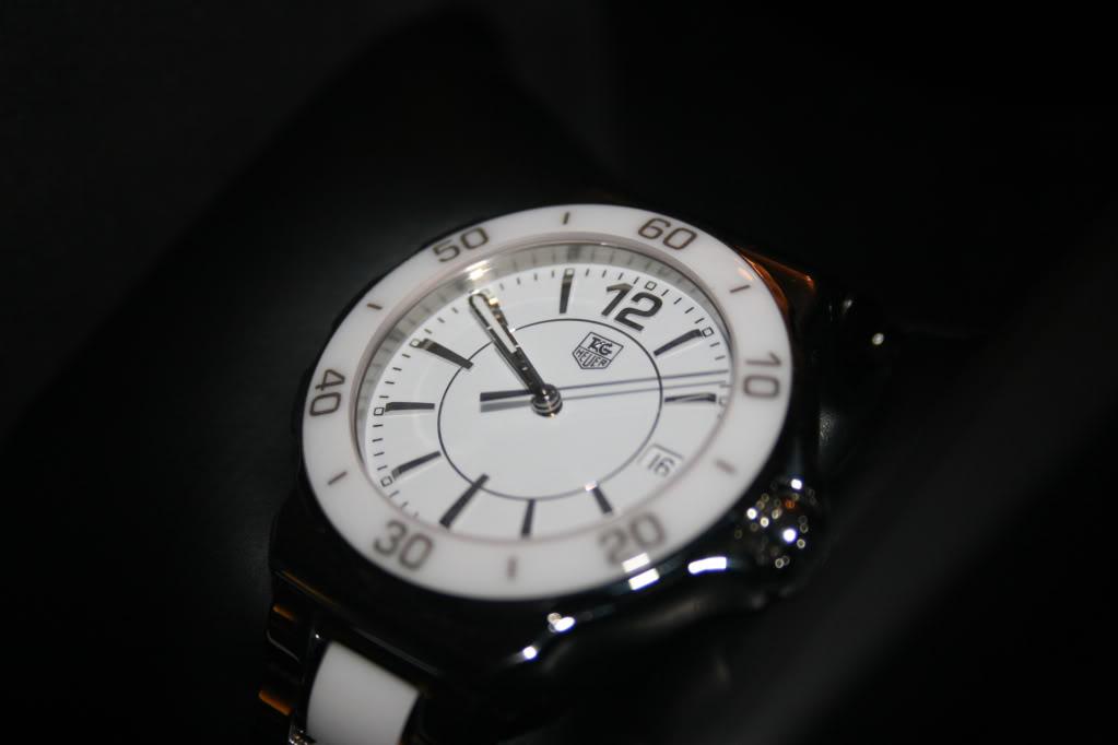 Idées de montres pour jeune femme style J12 67ecdf53db76bd743570c2ffe88b34c4