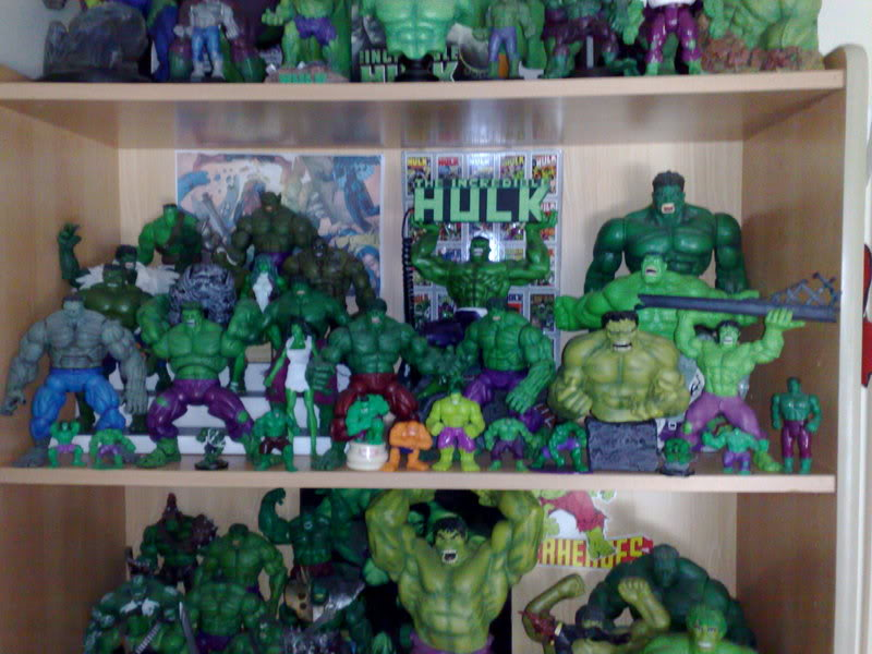 my collection 1/2 scale HULK has new pants, whats your opinion, better or worse?? 04102008260