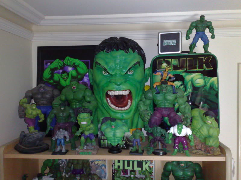my collection 1/2 scale HULK has new pants, whats your opinion, better or worse?? 04102008261