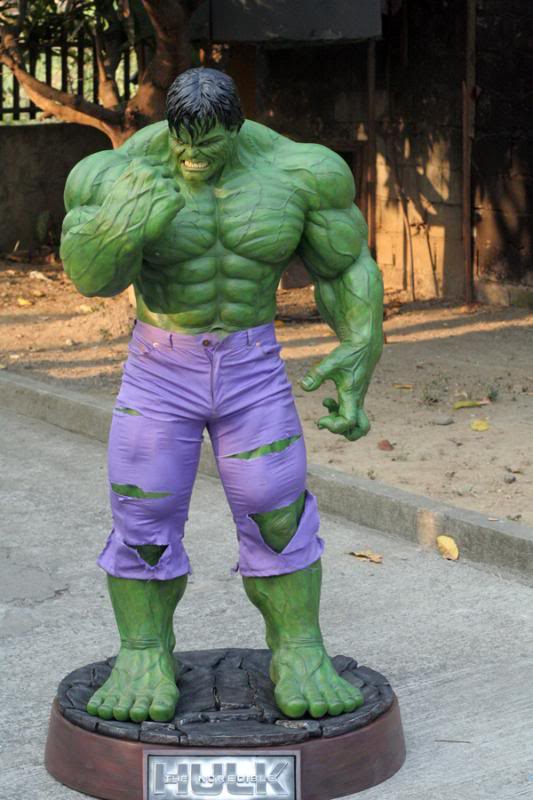 my collection 1/2 scale HULK has new pants, whats your opinion, better or worse?? - Page 2 IMG_9396