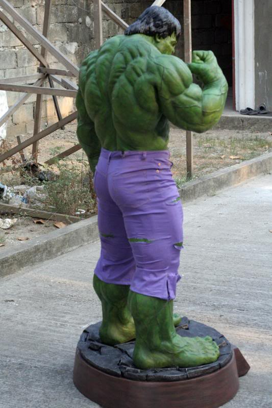 my collection 1/2 scale HULK has new pants, whats your opinion, better or worse?? - Page 2 IMG_9402