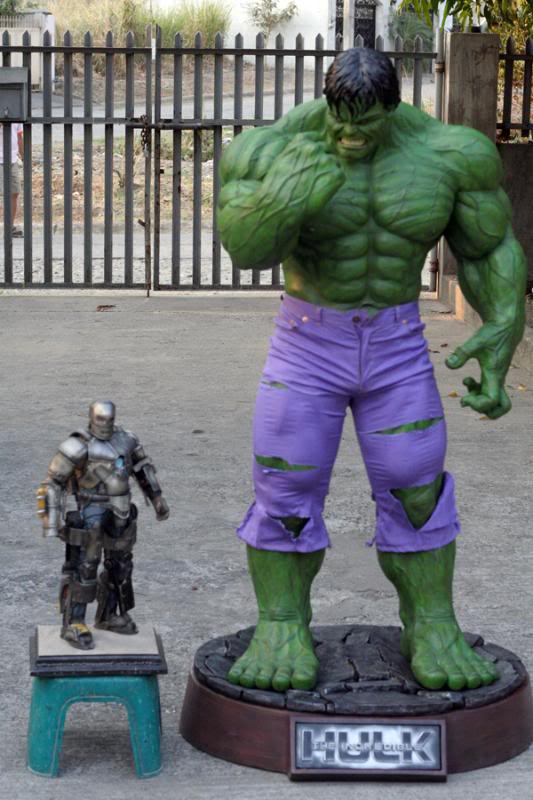 my collection 1/2 scale HULK has new pants, whats your opinion, better or worse?? - Page 2 IMG_9446