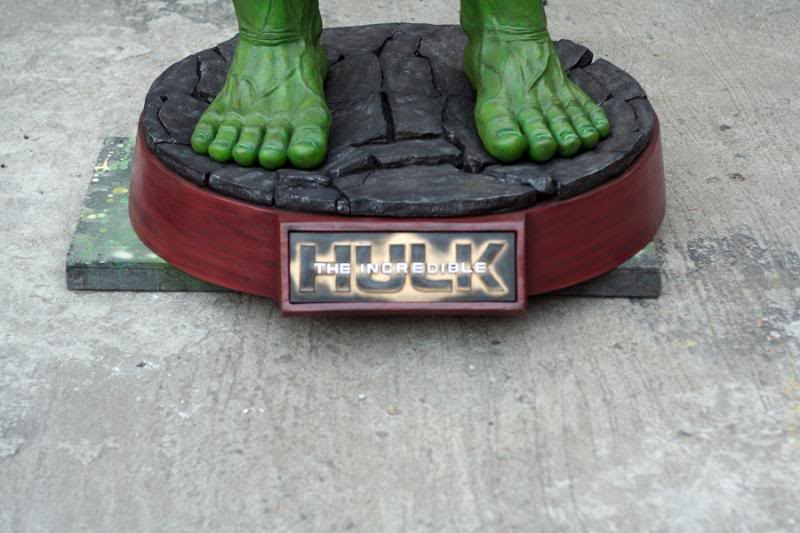 my collection 1/2 scale HULK has new pants, whats your opinion, better or worse?? - Page 2 IMG_9501