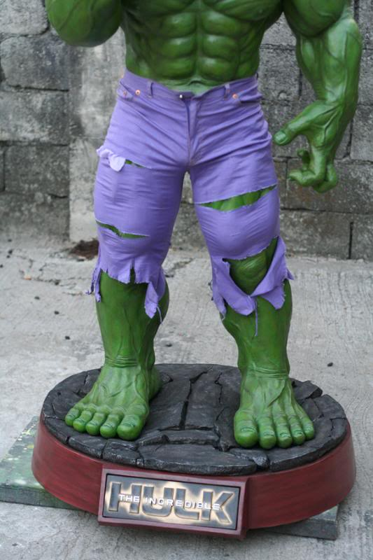 my collection 1/2 scale HULK has new pants, whats your opinion, better or worse?? - Page 2 IMG_9511