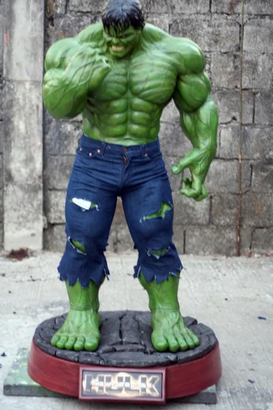 my collection 1/2 scale HULK has new pants, whats your opinion, better or worse?? - Page 2 IMG_9515
