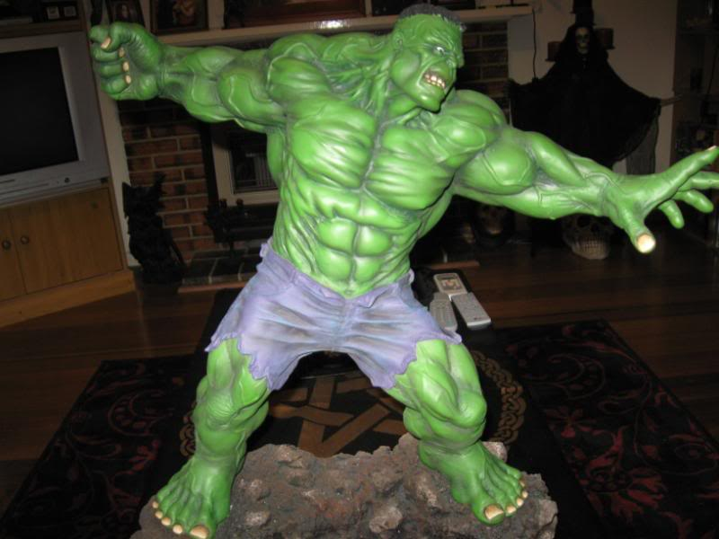 my collection 1/2 scale HULK has new pants, whats your opinion, better or worse?? - Page 2 Hmhulk002