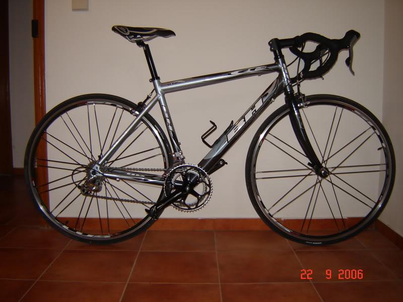 Bicicleta de estrada BH Imagem091