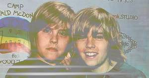 Avatars & Sigs Dylan-cole-sprouse-400a071807-300x3