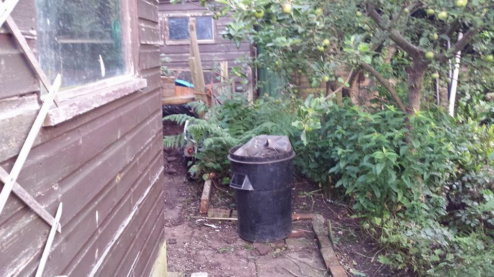 Compost Heap to Rabbit Residence. FINISHED 15-7after2_zpsb01bc90d