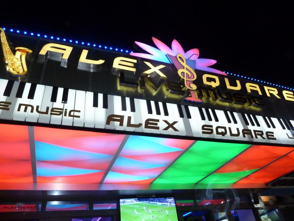 Alex Square P1020535_zps31f8d143