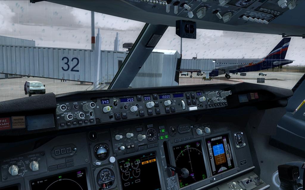 Boeing 737-800 Malev 01-12