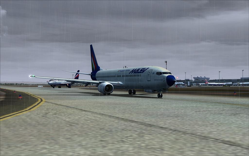 Boeing 737-800 Malev 04-12