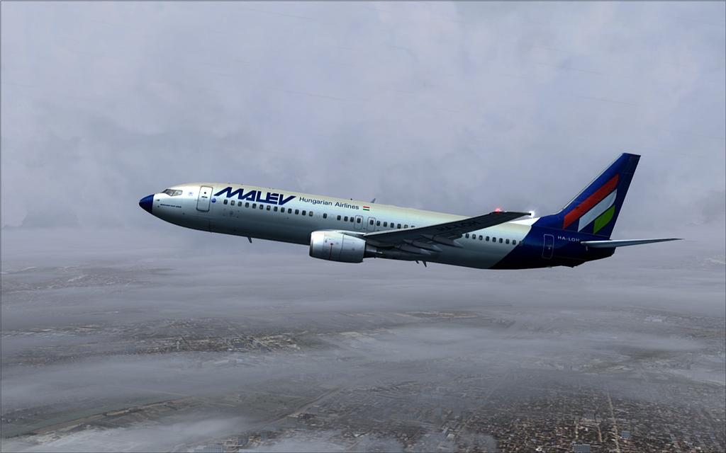 Boeing 737-800 Malev 07-12