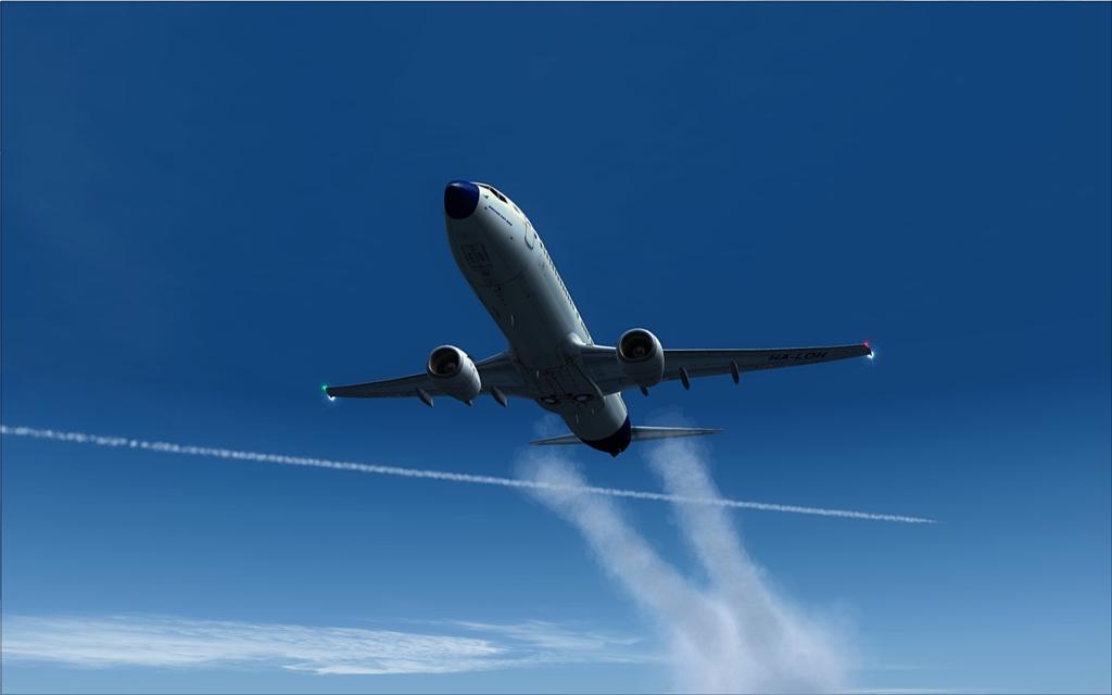 Boeing 737-800 Malev 15-12