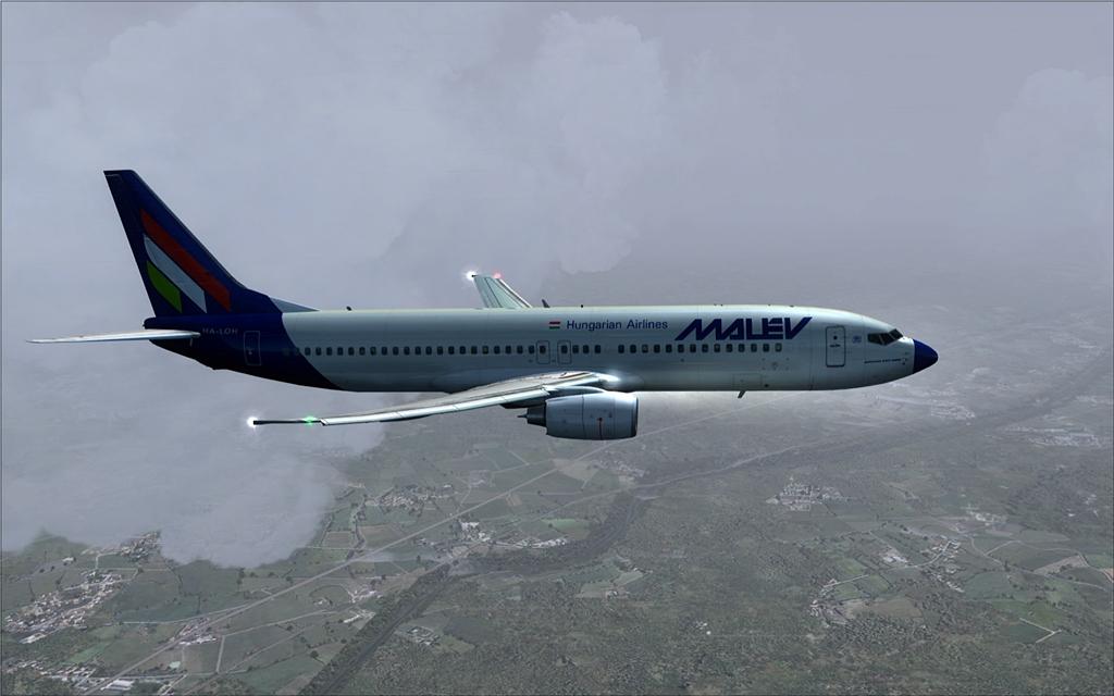 Boeing 737-800 Malev 16-12