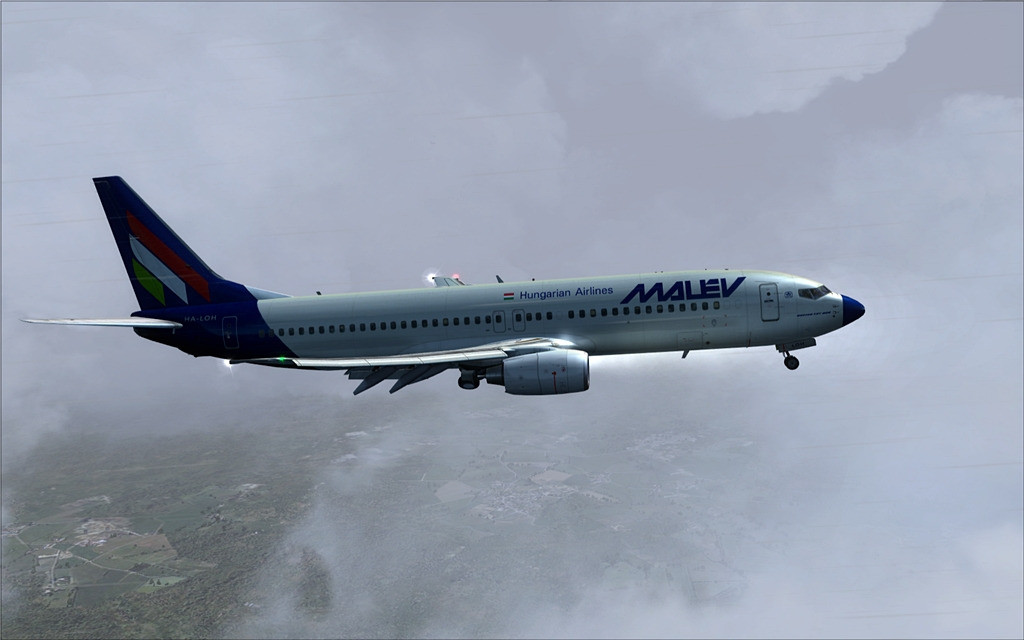 Boeing 737-800 Malev 17-12