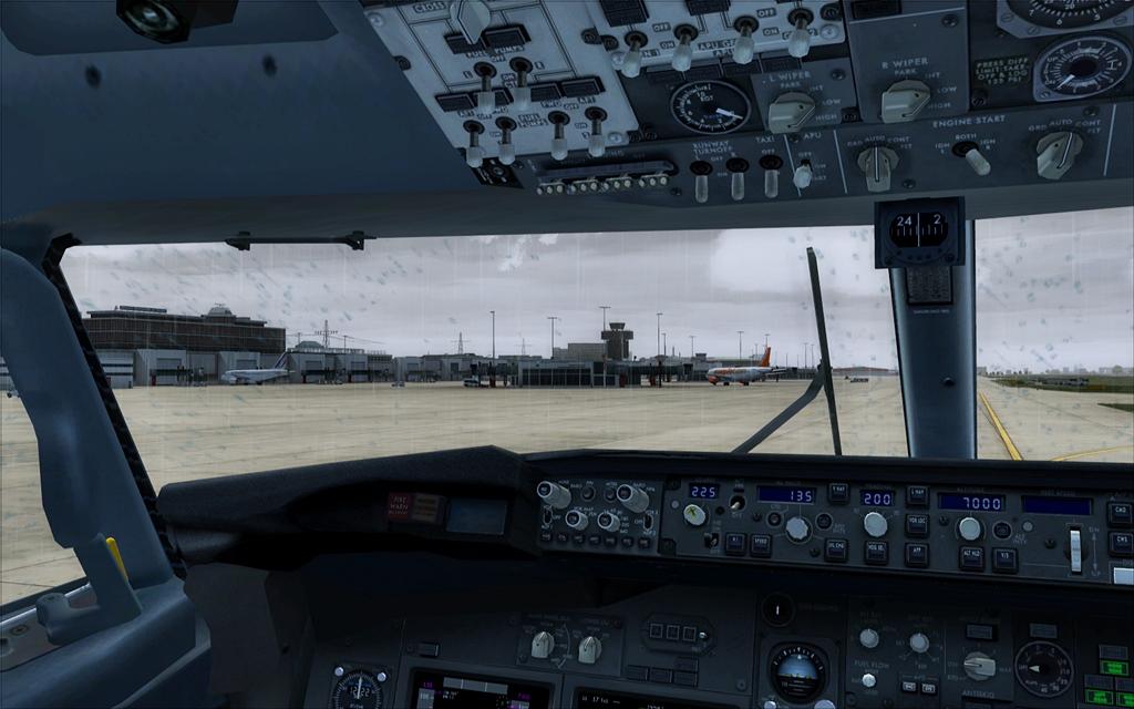 Boeing 737-800 Malev 22-11