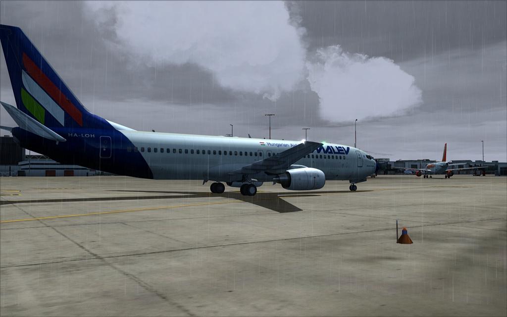 Boeing 737-800 Malev 23-9