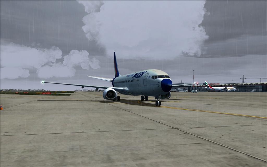 Boeing 737-800 Malev 24-7