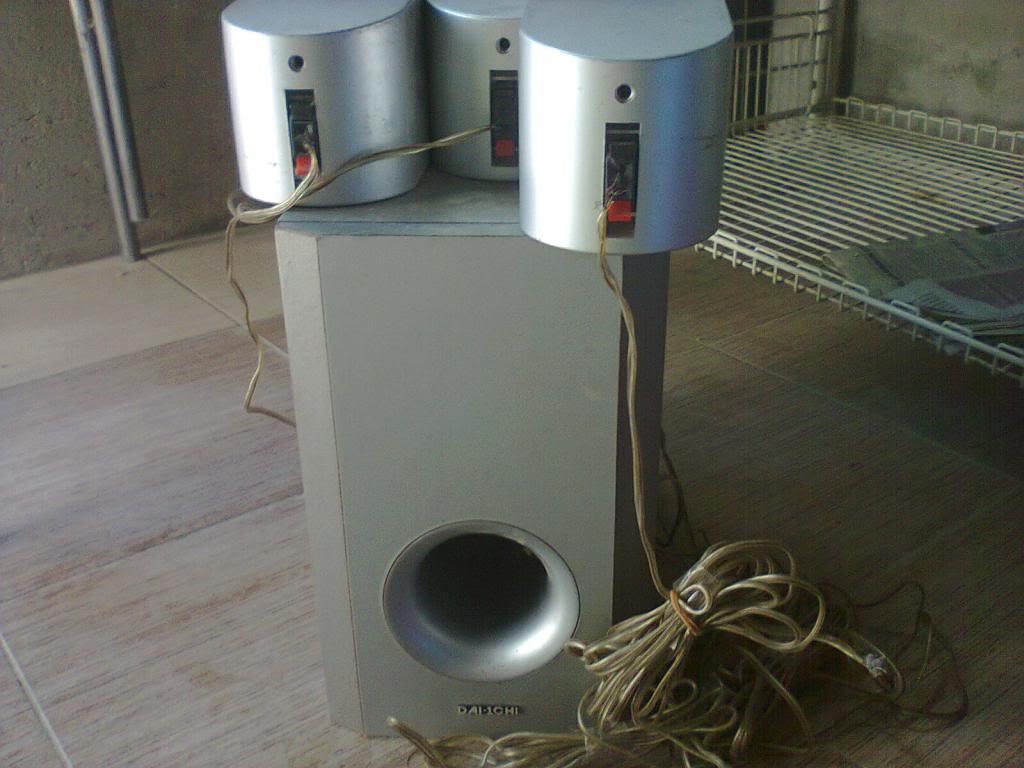 Help needed to set up 5.1 speakers Photo0192_zps84c452c8