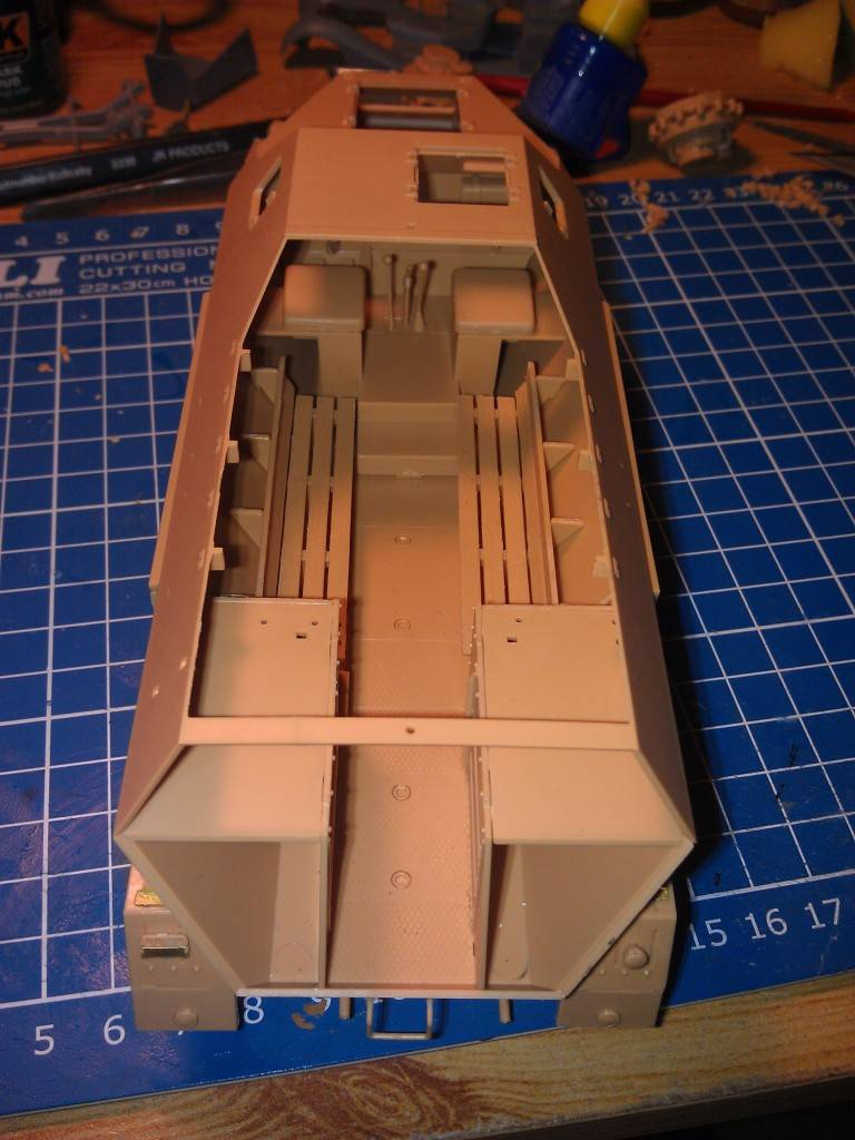 gepanzerte 12T (SDKFZ 8 DB10) trumpeter 1:35 IMAG2312