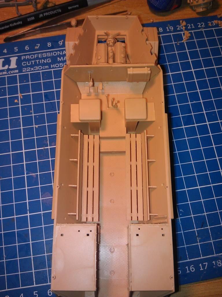 gepanzerte 12T (SDKFZ 8 DB10) trumpeter 1:35 IMAG2314