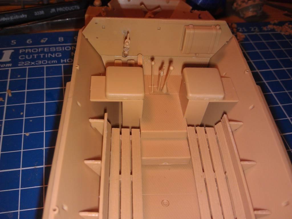 gepanzerte 12T (SDKFZ 8 DB10) trumpeter 1:35 IMAG2315