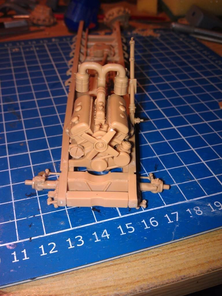 gepanzerte 12T (SDKFZ 8 DB10) trumpeter 1:35 IMAG2317