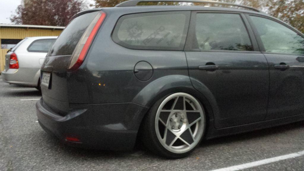 Tontza: Ford Focus bagged // Rocketbunny Skyline R32 GTR (FATSUN)  20141005_185558_zps1bcfddf5
