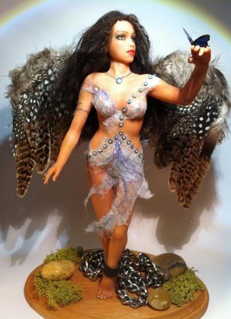 Prigioniera-angelo ooak Image_zps87f084fe