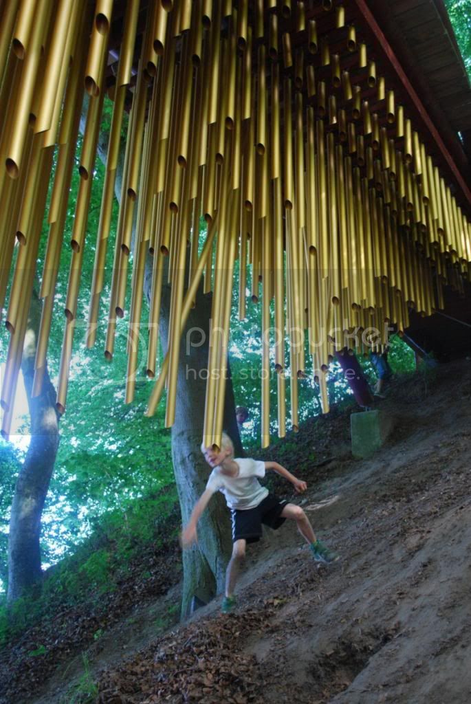 Oddities, curiousities and strangness in history - Page 22 Chimecco-Ethereal-chimes-hung-from-bridge-design-2_ec705_zps0e0e87f7