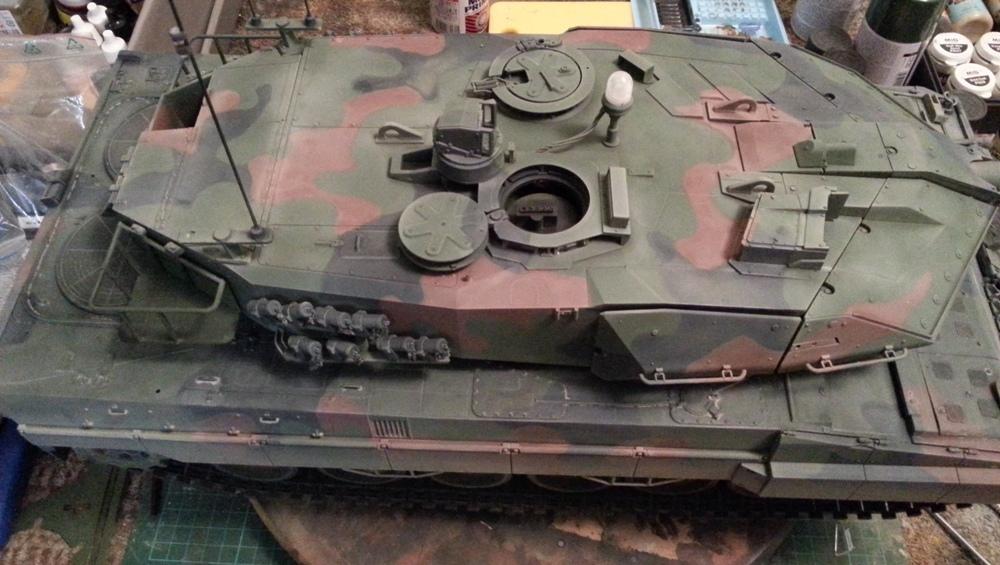 Frosty's Tamiya Leopard 2A6 CAN 20140320_185126_zps335dc2af