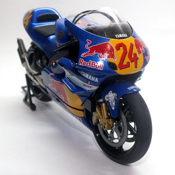 Tamiya Red Bull YZR 500 '99 240613020A_zpsb5951199