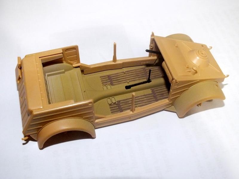Tamiya Kubelwagen Type 82 240613355A_zps27ac6612