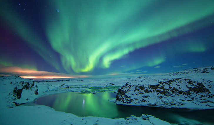 photo Northern-Lights-Iceland_zps77fed33b.jpg