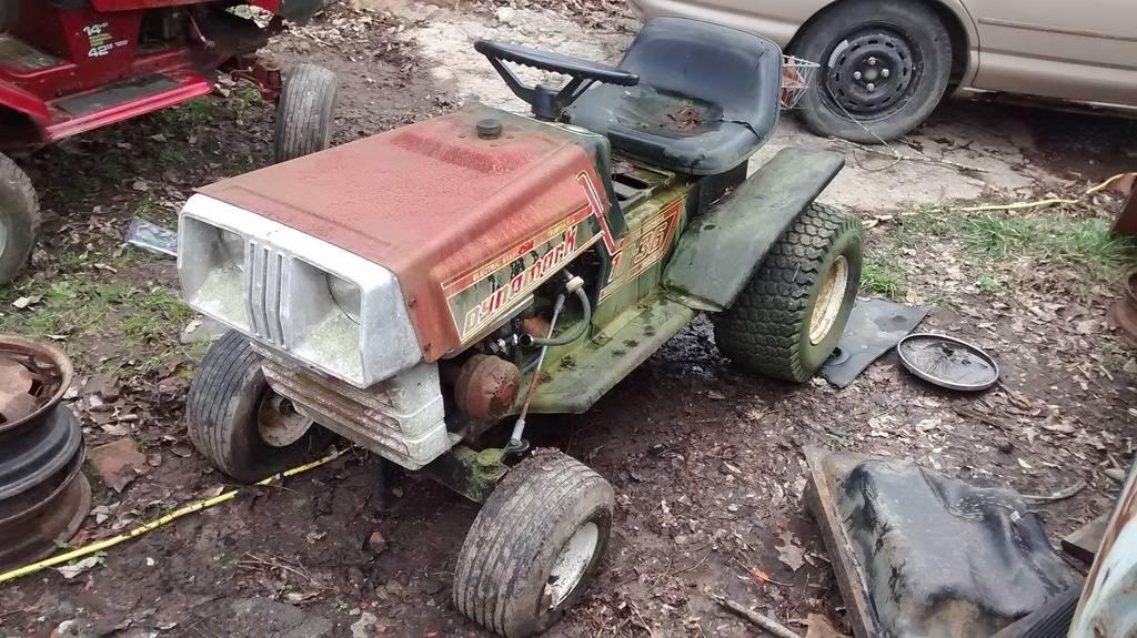 Newbie with three and a half-ish tractors... [PICS] IMG_20151231_144253931_zpslexsy4ex