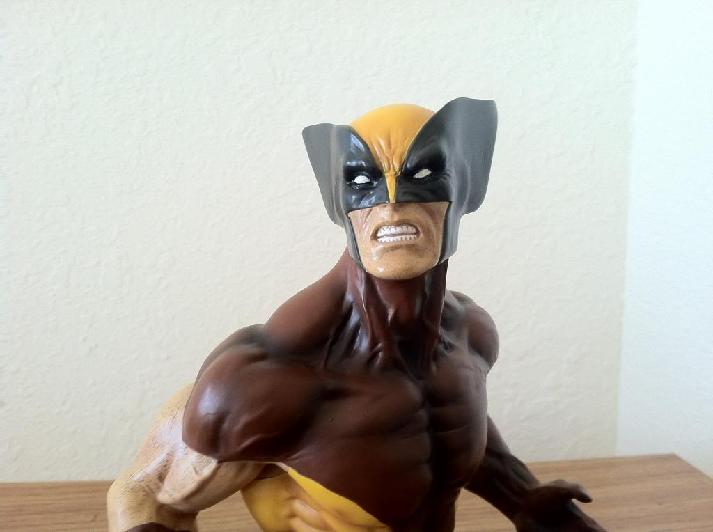 WOLVERINE BROWN MINI BUST 002_zps3a6c1965