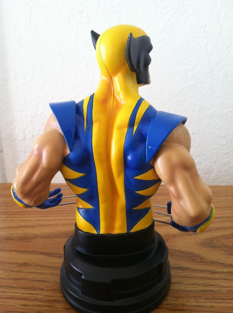 WOLVERINE YELLOW AND BLUE MINI BUST 033_zps6ccf8c0f