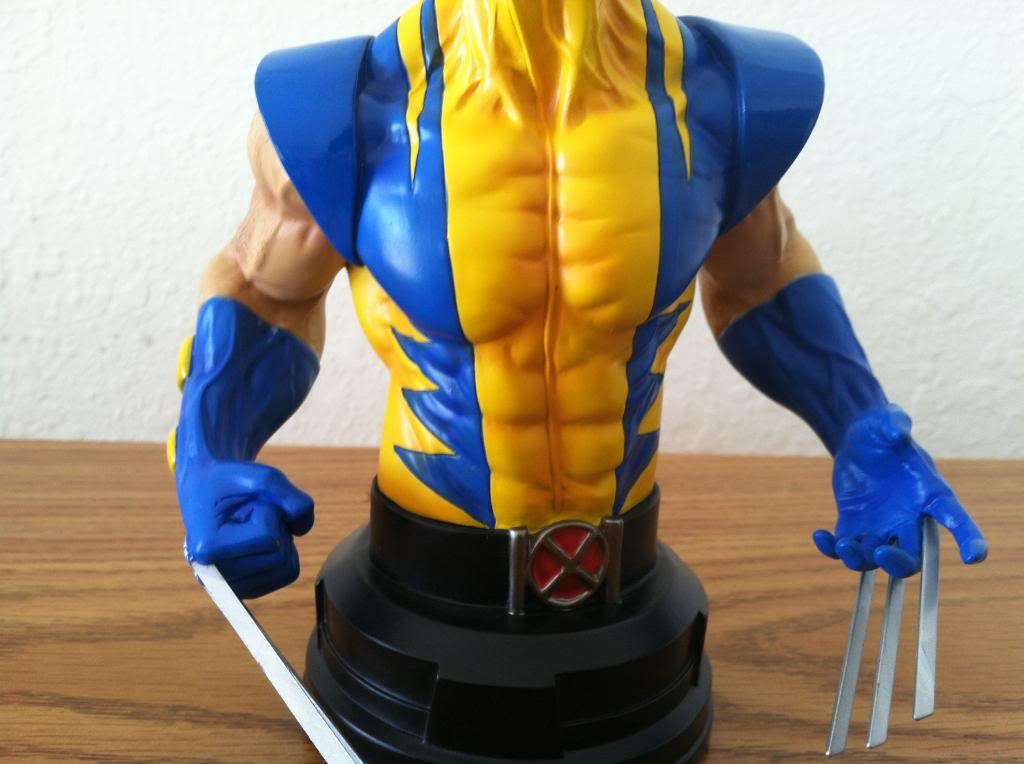 WOLVERINE YELLOW AND BLUE MINI BUST 041_zps8ad7b8ee