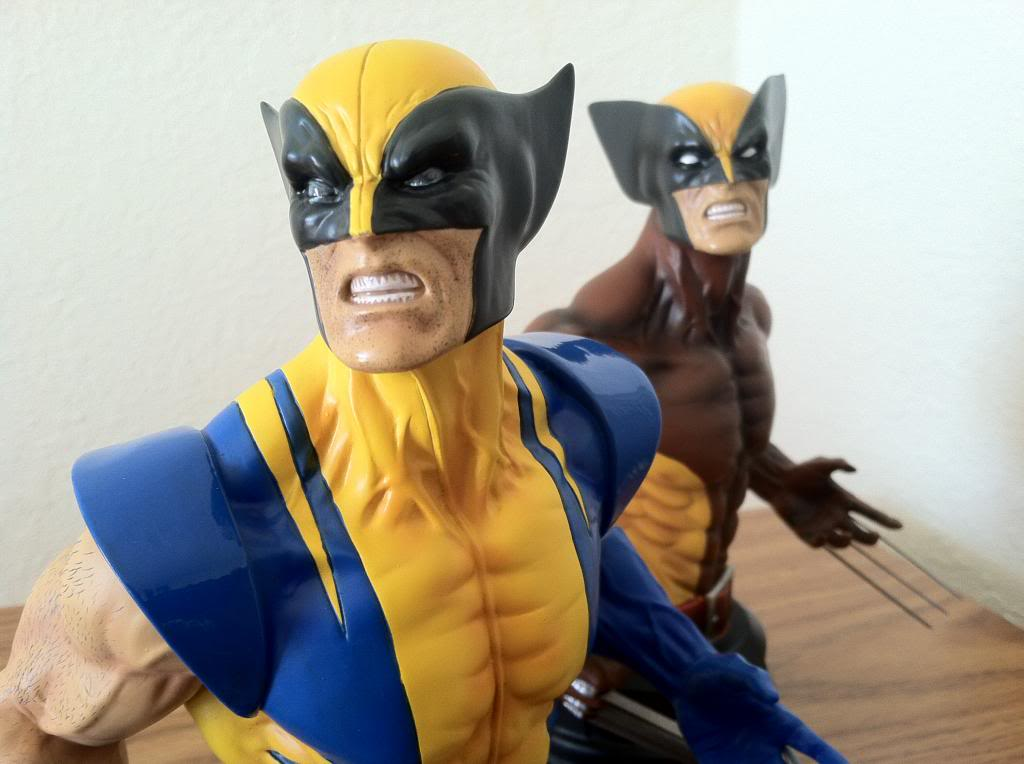 WOLVERINE YELLOW AND BLUE MINI BUST 070_zpsf64b0129