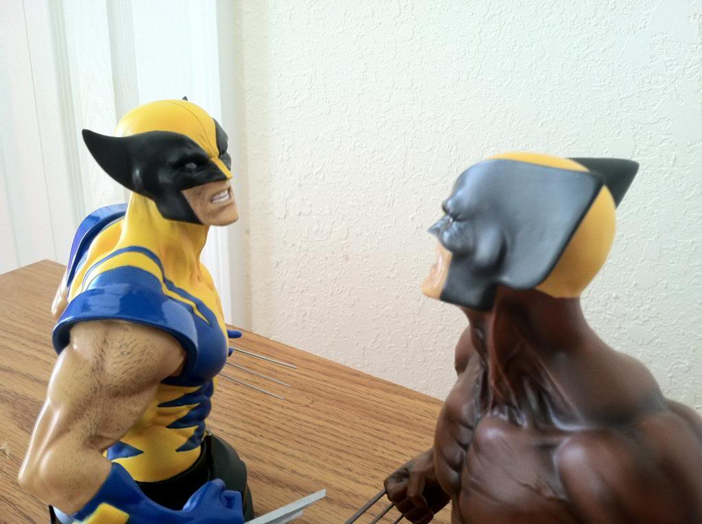 WOLVERINE YELLOW AND BLUE MINI BUST 082_zpsaf02706f