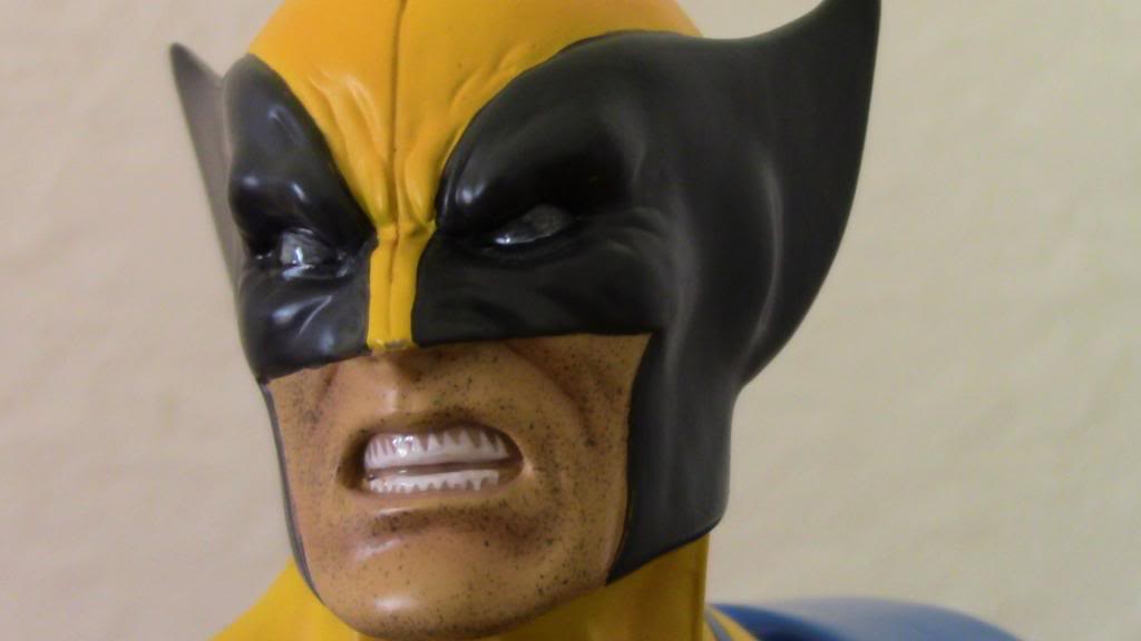 WOLVERINE YELLOW AND BLUE MINI BUST 102_zps903c2d4e